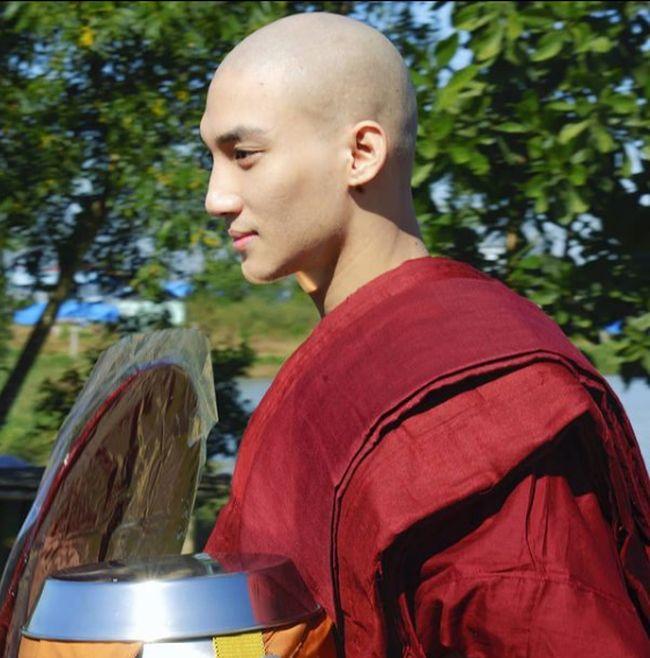 Aktor Paing Takhon yang Viral Jadi Biksu Ganteng Ditangkap Militer Myanmar