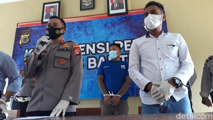 Polsek Sewon, Bantul, rilis kasus pembacokan yang menewaskan satu orang, Jumat (15/1/2021).