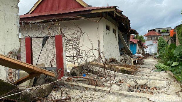 Rutan Kelas IIB Mamuju turut terdampak gempa bumi magnitudo 6,2 yang terjadi di Majene, Sulbar. Guncangan gempa menyebabkan bangunan rutan rusak hingga narapidana terluka. (dok Ditjen PAS)