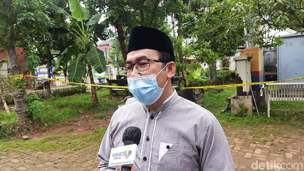 Salah satu karyawan Daarul Quran yang melayat, Jaya Rukmana (Fathan/detikcom)