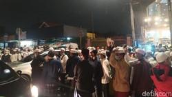 Pelayat Habib Ali bin Assegaf Berdatangan, Jalan Tebet Utara Dalam Ditutup
