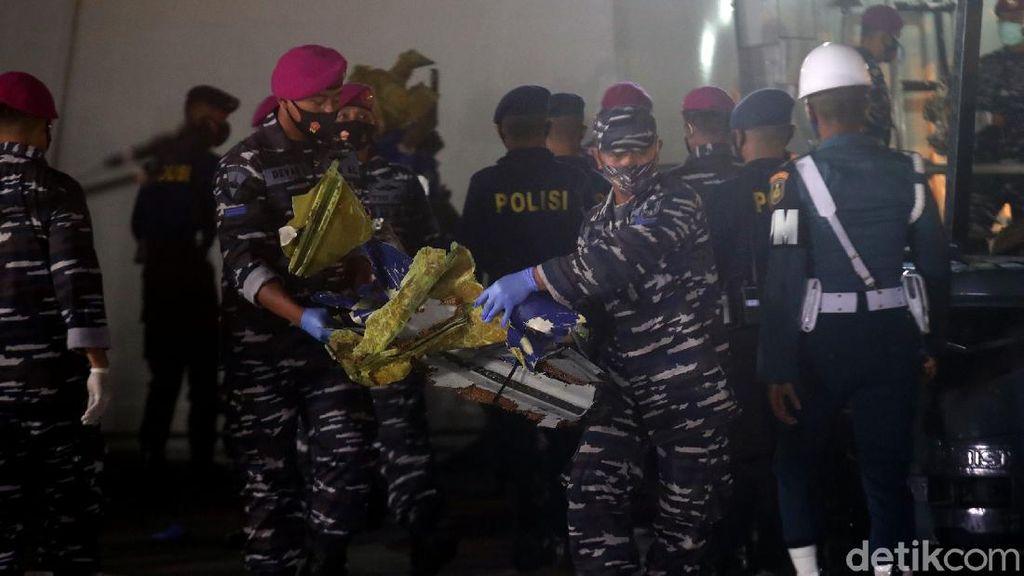 Turbin-Material Pesawat Sriwijaya Air SJ182 Kembali Ditemukan