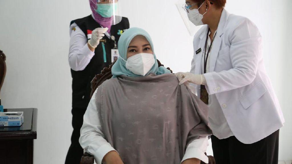 Ingatkan Warga soal Prokes, Bupati Pandeglang: Vaksin Hanya Pelengkap