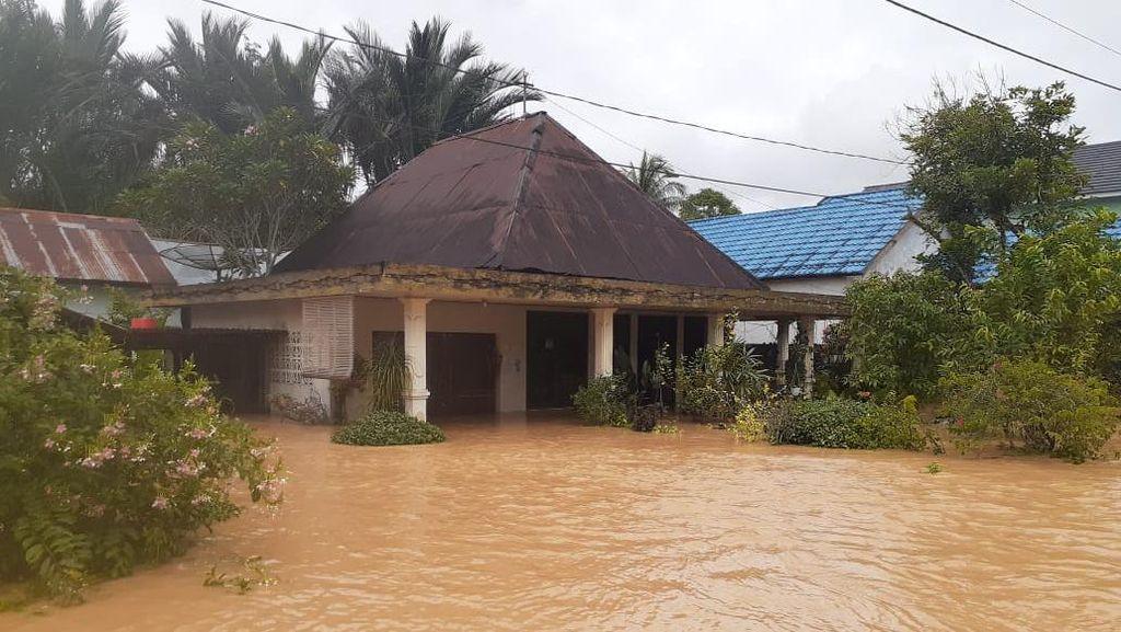 Korban Meninggal Akibat Banjir di Kalsel Jadi 15 Orang, 39 Ribu Mengungsi