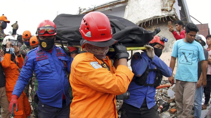 Gempa dengan magnitudo (M) 6,2 mengguncang Majene dan berdampak pada ibu kota Sulbar di Mamuju. Ada sejumlah fakta terkait gempa kuat ini.