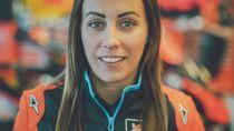 Ini Jenny Anderson, Teknisi Data Cantik KTM yang Dibajak Marc Marquez