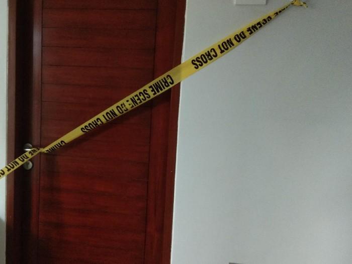 Kamar kost wanita yang tewas bersimbah darah di Denpasar dipasangi garis polisi