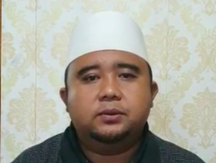 KH. Ibnu Atoillah, Pimpinan Ponpes Baitul Arqom Bandung