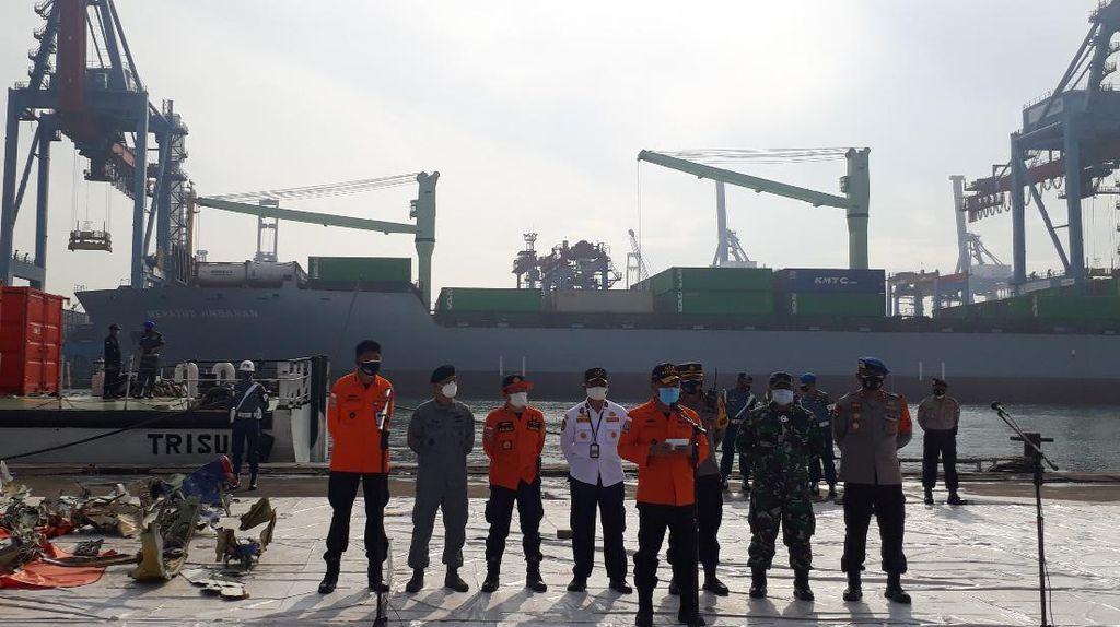Hari ke-8, Pencarian Korban dan Puing Sriwijaya Air via Udara Diperluas