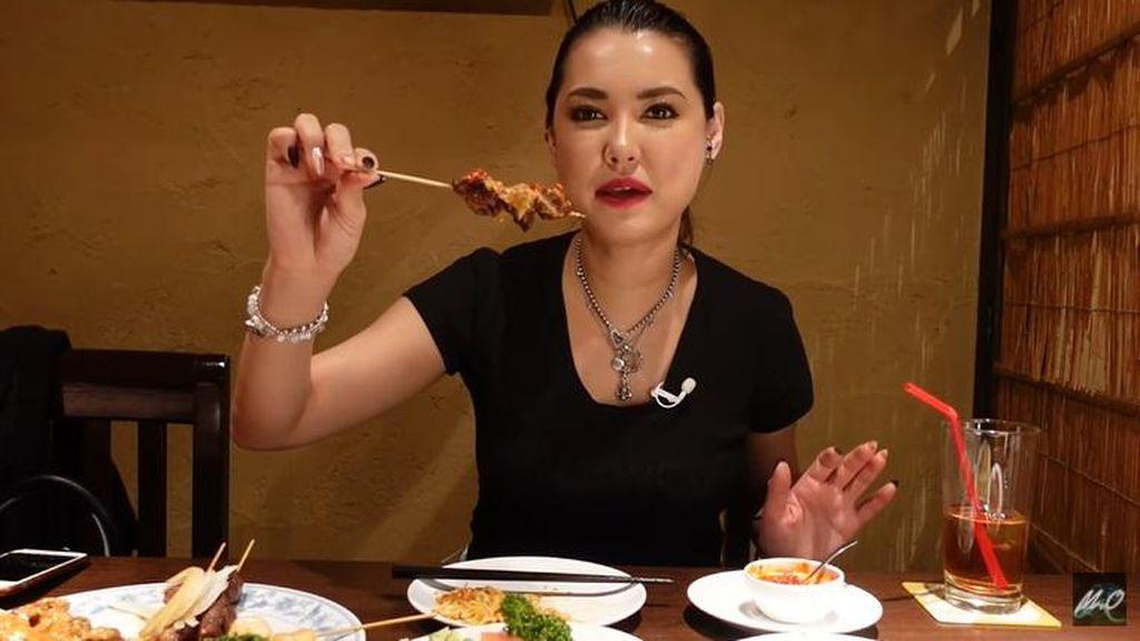 Miyabi Doyan Mie Goreng hingga Sate Saat Makan di Resto Indonesia