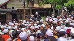 Momen Pelayat Membludak di Lokasi Pemakaman Habib Ali