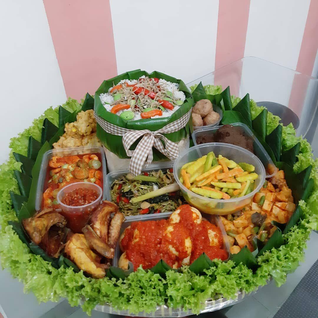 Paket Makanan Online Buat Makan Bareng Keluarga