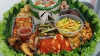 5 Paket Makanan Online Ini Cocok Buat Makan Bareng Keluarga