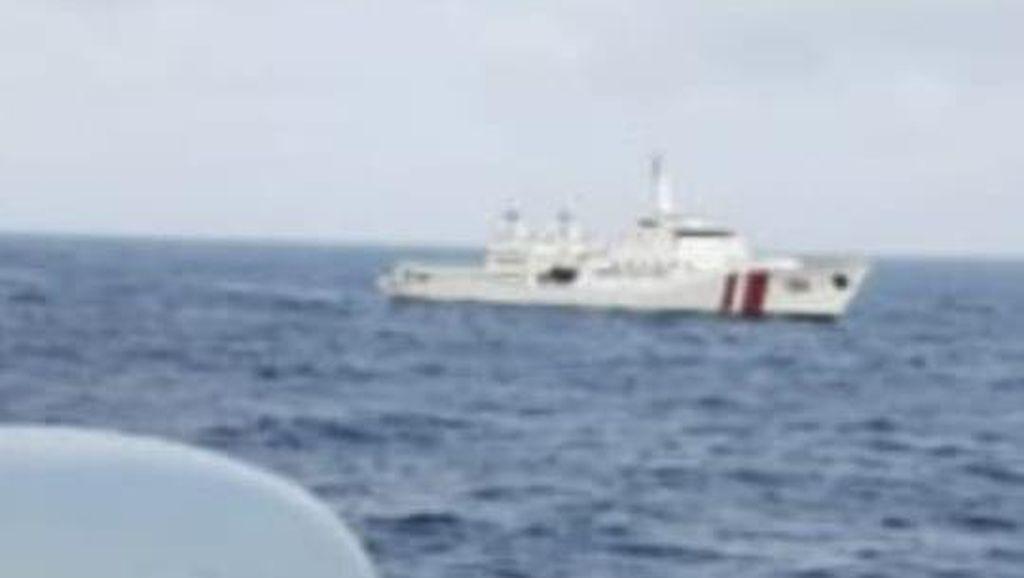 Gelar Operasi Trisula, Bakamla Halau Kapal Vietnam di Perairan Natuna Kepri