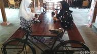Di Kedai Favorit Pesepeda yang Asri Ini Ada Kopi Tarik Nikmat