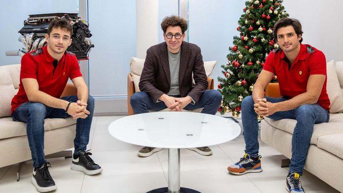 Charles Leclerc, Mattia Binotto, dan Carlos Sainz.
