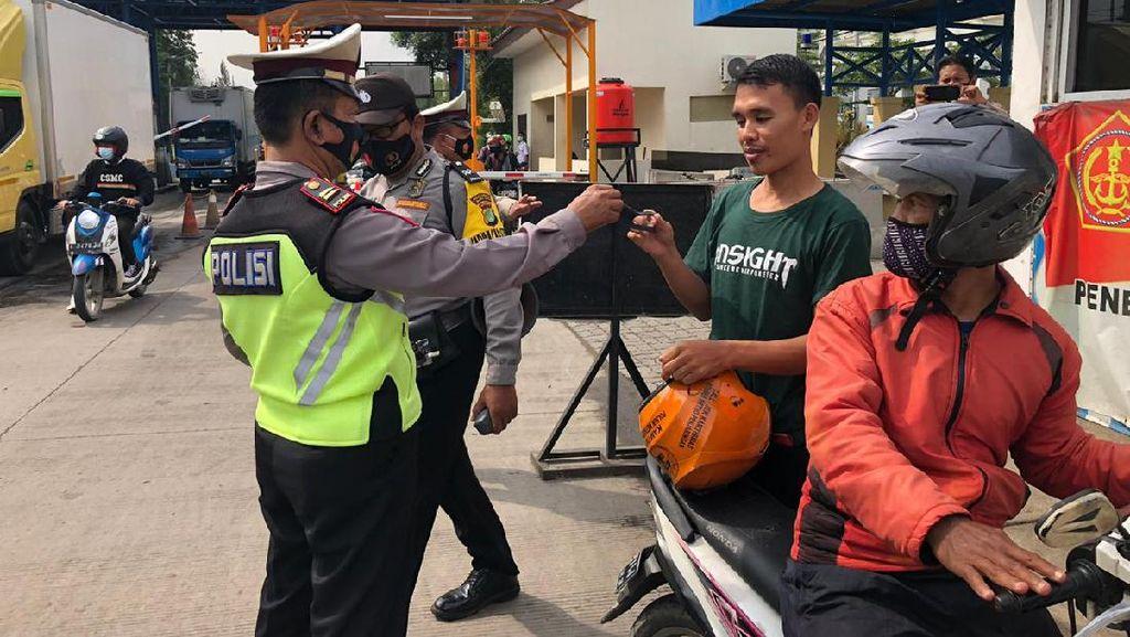 Dukung Jakarta Bermasker, Polres Pelabuhan Tj Priok Bagi-bagi 1.500 Masker