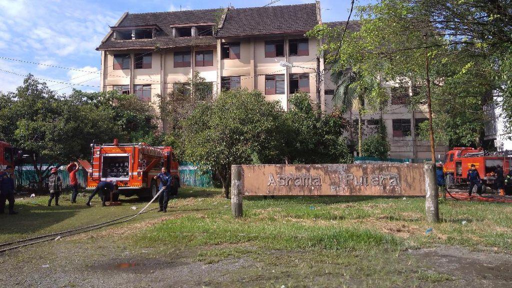 Asrama Putra USU Kebakaran, 20% Gedung Hangus