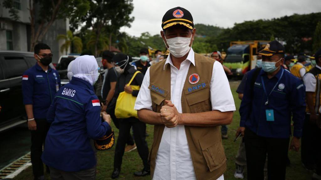 Doni Monardo Duga Dirinya Terpapar COVID Saat Makan, Minta Masyarakat Waspada