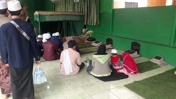 Makam Habib Ali Didatangi Peziarah, Ini Langkah Pengelola Cegah Kerumunan