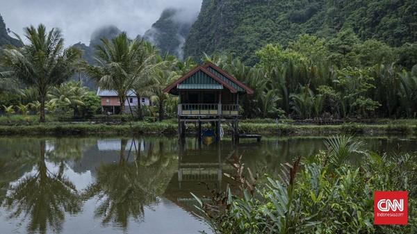 Sandi mengatakan, ada 3 hal yang akan masuk penilaian UNESCO yaitu soal lingkungan, budaya, dan sosial. CNN Indonesia/Bisma Septalismaaa