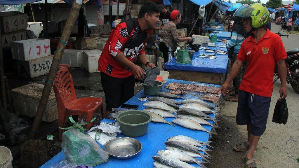 Pasar Tradisional di Mamuju Kembali Bergeliat Pasca Gempa