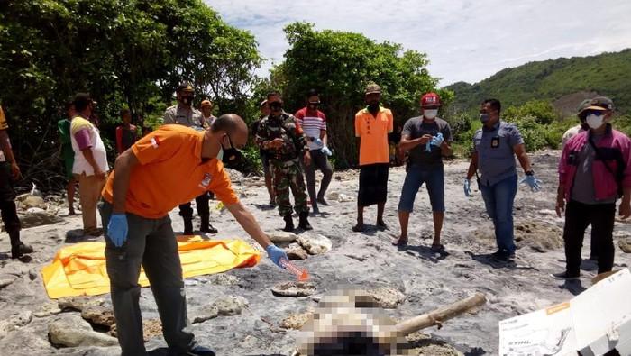 Penemuan mayat di Pantai Sekotong Lombok (Foto: Istimewa)