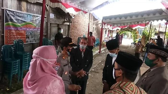 Pesta nikah di Kecamatan Widodaren dibubarkan Satgas COVID-19.