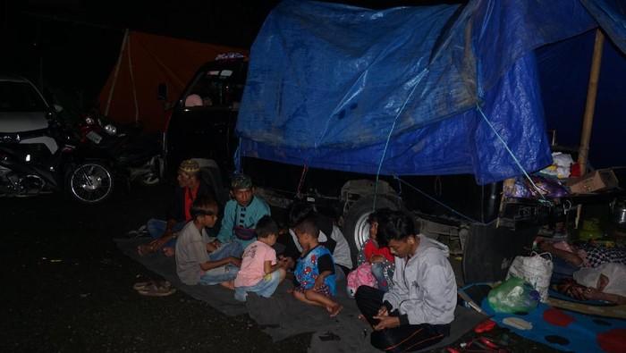 Salah Satu Korban Gempa Sulbar Masih Belum Mendapatkan Tenda