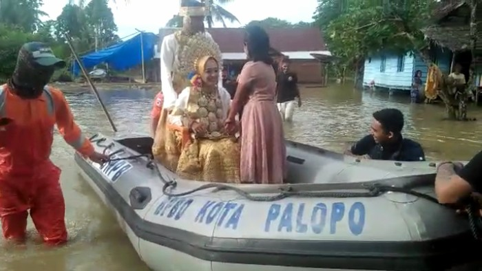 Sungai di Sulsel Meluap, BPBD Palopo Evakuasi Sepasang Pengantin