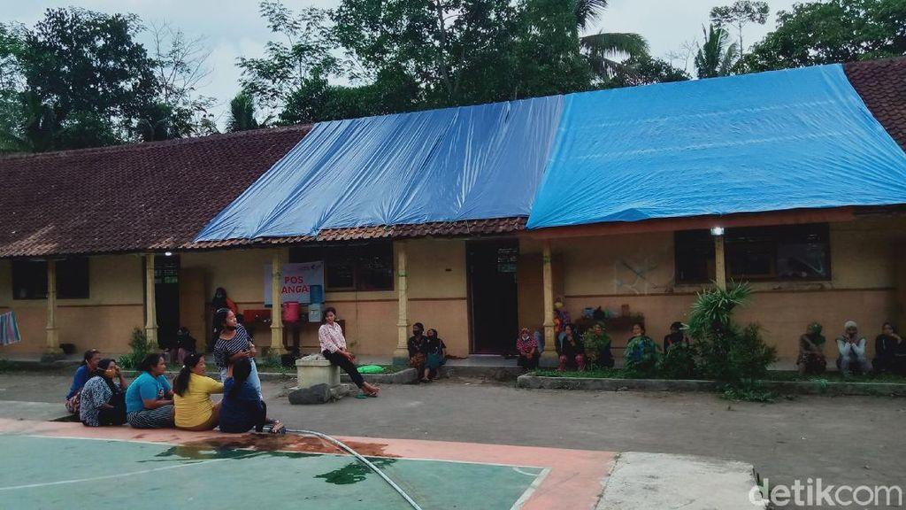 Rekomendasi Berubah, Warga KRB 3 Merapi di Klaten Tetap di Pengungsian
