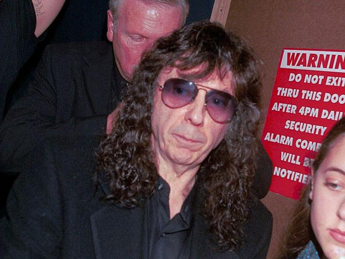 383822 03: Producer Phil Spector prepares to sign autographs at The Whiskey A Go-Go where singer Nancy Sinatra was performing December 29, 2000 in Hollywood, CA. Spector was arrested on February 3, 2003 in connection with the shooting of a woman at hilltop mansion in Alhambra, California. (Photo by Getty Images)