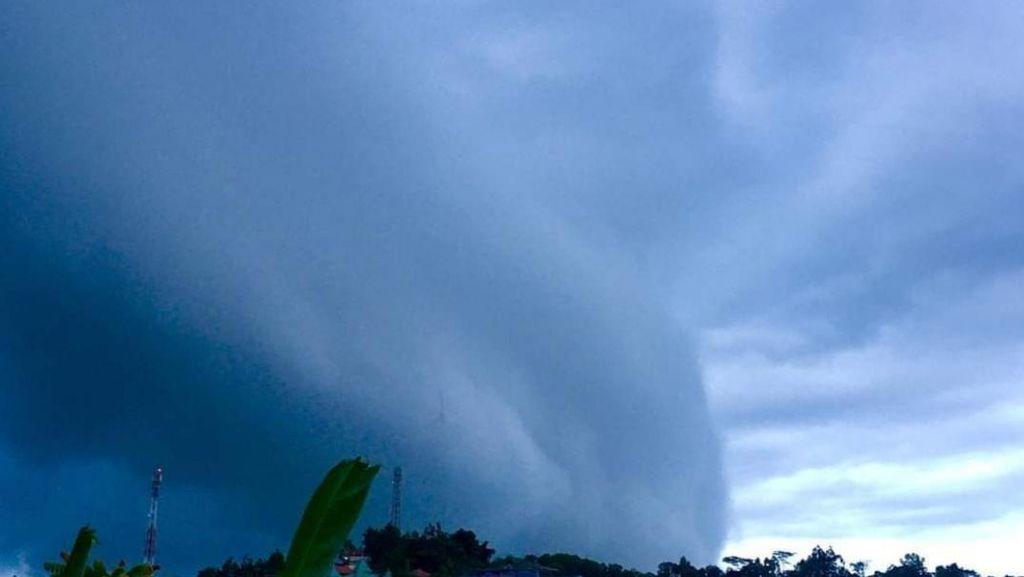 Kata Peneliti soal Cumulonimbus di Ambon Bikin 2 Pesawat Berputar 30 Menit