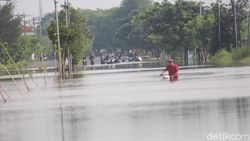 Jalan Raya Porong Banjir Satu Meter, Pemkab Sidoarjo Targetkan 2 Hari Surut