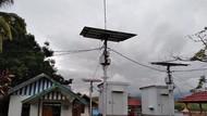 Bukan dari PLN, Kampung Papua Ini Pakai Listrik Tenaga Surya dan Sagu