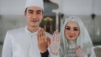 6 Foto Pernikahan Taaruf Evan Marvino & Uffri Datun, Dari Fans ke Pelaminan
