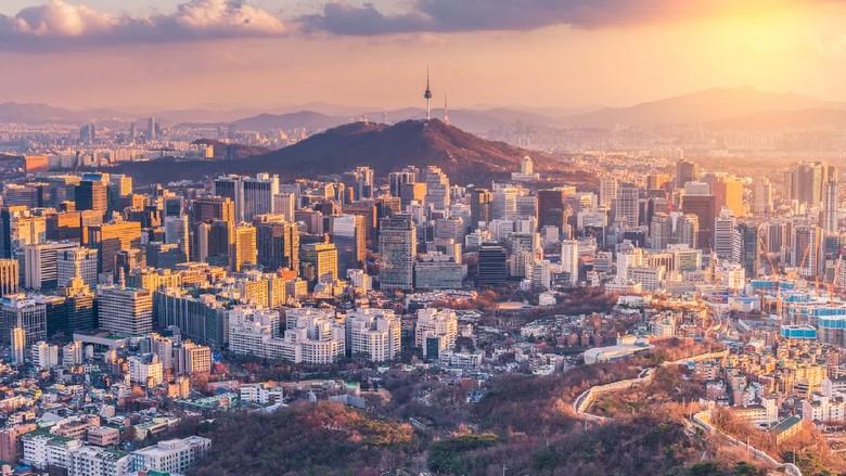 Sunset at Seoul City Skyline,South Korea