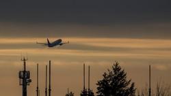 Naik Pesawat Wajib PCR Menurut Inmendagri, Kemenhub Masih Pakai SE Lama