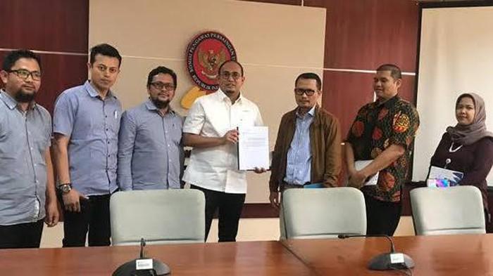 Laporan Andre Rosiade dan Federasi Serikat Pekerja Industri Semen Indonesia (FSP-ISI) terkait dengan dugaan praktik predatory pricing (jual rugi) di industri semen nasional membuahkan hasil.