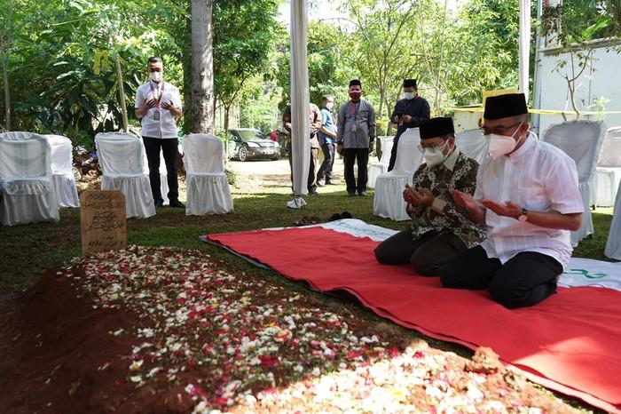 MENKO-PMK Muhadjir Effendy  Ziarah ke Makam Syekh Ali Jaber