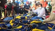 Tinjau Pengungsian Banjir di Jember, Mensos Risma Bantu 1 Ton Beras