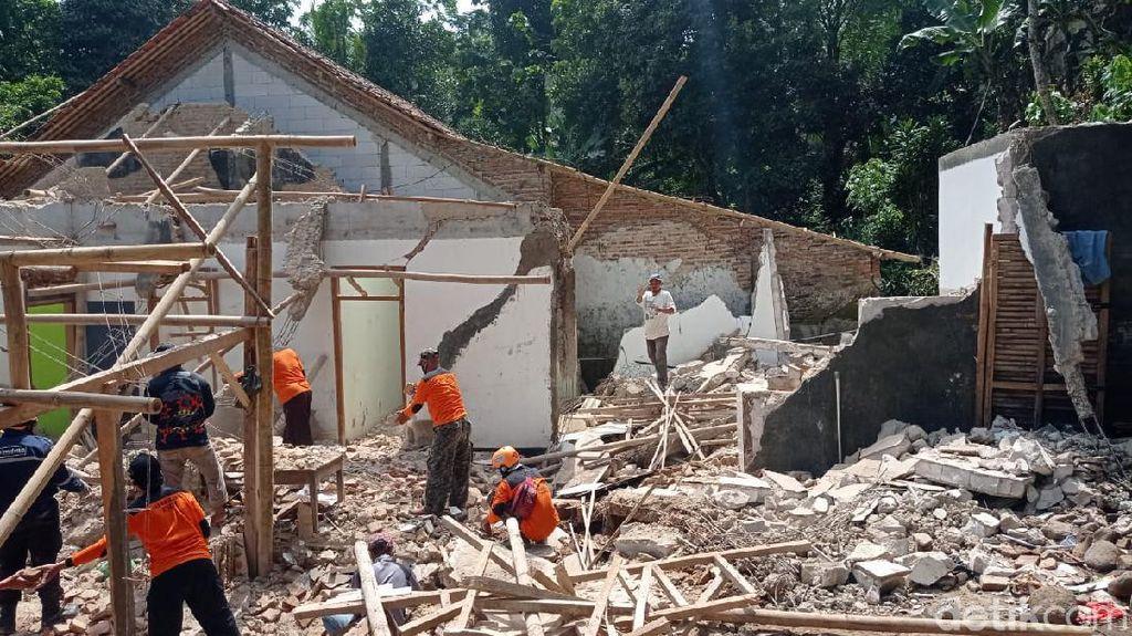 Tanah Gerak Masih Terjadi di Brebes, Rumah Rusak Bertambah Jadi 28