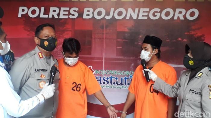 Wali murid SD di Bojonegoro nekat mencuri 12 laptop bantuan dari Kemendikbud. Aksi kriminal itu dilakukan untuk membayar utang.