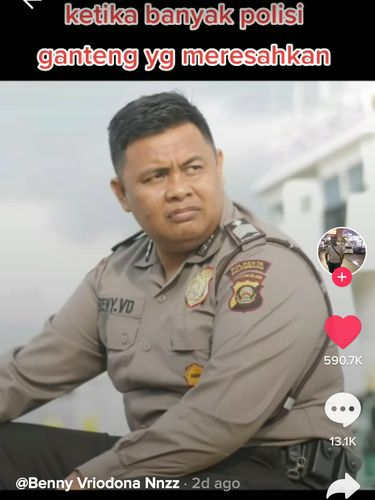 Polisi Nyamar Jadi Penjual Martabak, Netizen : Penjahatnya Malah Jadi Pelanggan