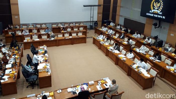 Rapat Menag Yaqut dan Komisi VIII DPR (Tiffanny Theresia/detikcom).