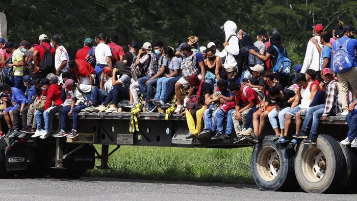 Setidaknya 9.000 migran dari Honduras telah menyeberang Guatemala dengan harapan bisa mencapai Amerika Serikat (AS) dalam hari-hari awal pemerintahan Joe Biden-Kamala Harris