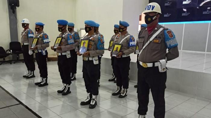 Upacara pemecatan 9 polisi terlibat kasus narkoba di Palembang (dok. Istimewa)