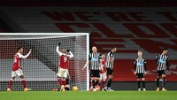 Arsenal Vs Newcastle: Aubameyang Brace, The Gunners Menang 3-0