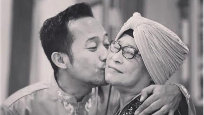 Ibu Denny Cagur meninggal dunia