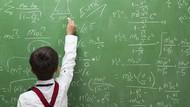 7 Manusia Ber-IQ Tinggi, Lebih dari 200!